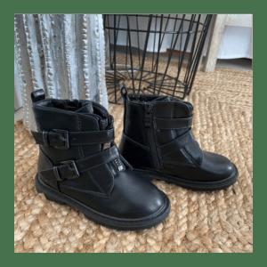 bottine-lanières-noir-mat-enfant
